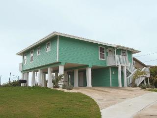 4 bedroom 3 bath home in the heart of Port Aransas with amazing Gulf Views!
