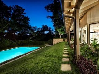 5BR/5BA Luxury Oasis in Downtown Austin!
