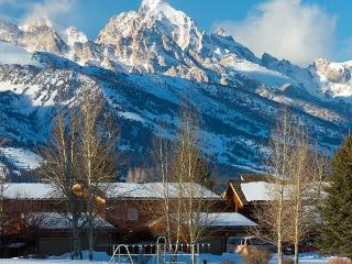 Teton Shadows 2 bedroom- Close Proximity to Grand Teton National Park!