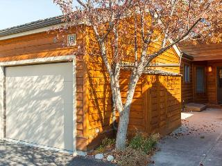 Remodeled 3 bed/3 bath in Teton Shadows. Close to Grand Teton Park!, Jackson