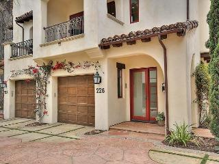 3 Blocks to beach- luxury, award winning, environmentally friendly home!, Santa Barbara