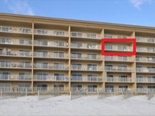 SL 502 - Beautiful beach front, master on the beach, free beach chairs