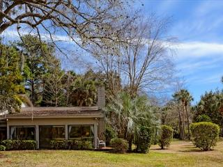 Secluded and Charming 2BR/2BA Villa in the Heart of Beautiful Sea Pines, Hilton Head