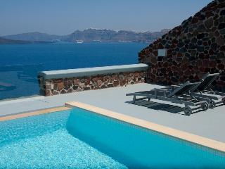 Blue Villas |Infinity Cave | Private suites, Akrotiri