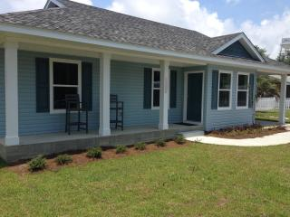 I SEA BLUE - Renovated - Gulf Views - Now Booking Spring and Summer 2017!, Mexico Beach