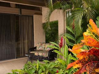 Remodeled 2 bedroom condo located right on Robert Trent Jones Golf Course, Waikoloa