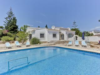 Great Value    3 Bedroom Villa  large pool,Air Conditioning , wi-fi