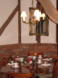 Dinning table for 6 people
