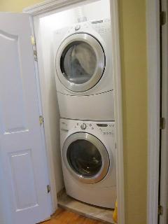 Stackable Steam Washer/Dryer