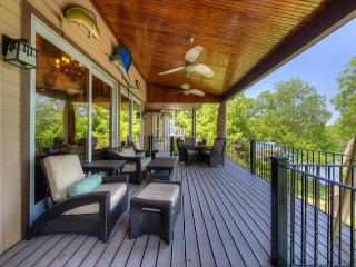 5BR/5BA Lake Austin Estate With Boat Dock and Hot Tub Overlooking the Water!