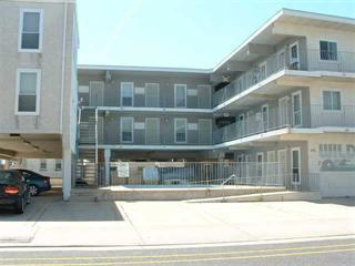 cozy beach block condo, Wildwood