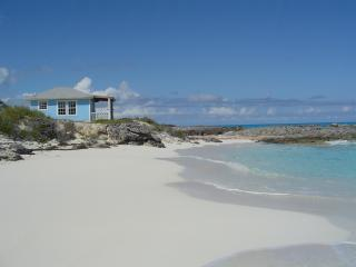 Gunhillbay Beach Villas - Villa No 7, Little Exuma