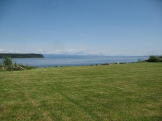 Oceanfront Executive centrally located two bedroom, Campbell River