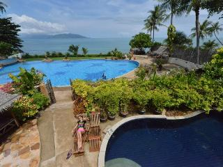 3 bedroom beachfromt villa Pla Laem Koh Samui