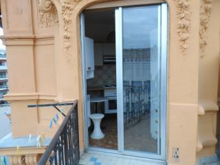 Heart of Nice - Spacious Terrace, Niza