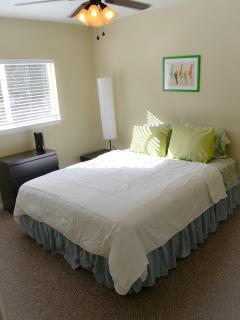 Bedroom #4 (queen-size bed)