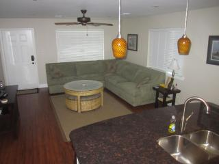 Condo LP4B- Owners Choice 2BR 2B w/ Large Garage