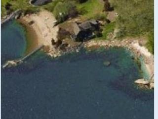 Private  Beach 5 bedroom home w/in law apt, Branford