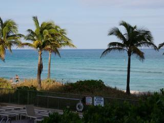 2080 OCEANFRONT ON THE BEACH  3/2 ON 1ST FL, Hallandale