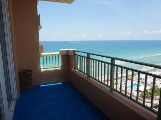 2080 OCEANFRONT ON THE BEACH 2/2 PENTHOUSE ON 17TH, Hallandale