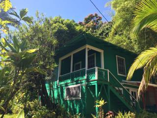 Pu'uhonua House, Hakalau
