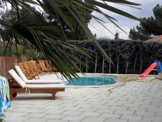 4043 4-bedroom Provence villa with private pool, La Garde