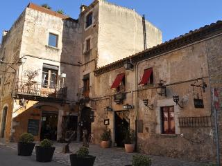 Apt.1 'Can Felip' A beautifully XVII century house, Palafrugell