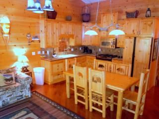 #36 Specialty 3BR Townhouses. Next to Snow Summit!, Big Bear Region