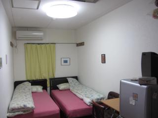 Namba Family House stay 6-9, Osaka