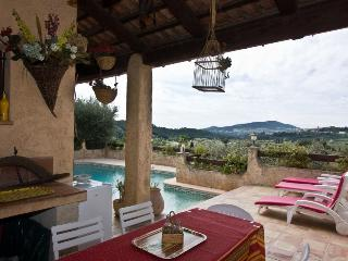 4 bedroom Villa in Castellet-lès-Sausses, Provence-Alpes-Côte d'Azur, France : r