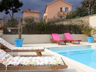 3 bedroom Villa in Toulon, Cote D Azur, Var, France : ref 2255432