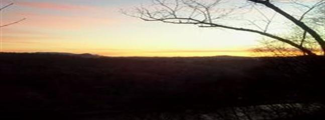 una de nuestras fotos favoritas de la salida del sol subiendo por la montaña