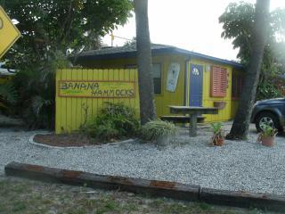 Banana Hammocks Resort Cabana by the Beach!, Fort Pierce