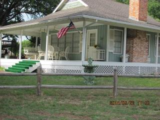 The Cottage at Lake LBJ, Kingsland, TX