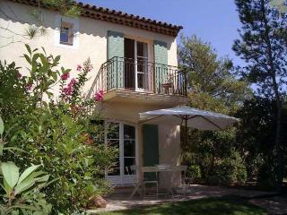 2 bedroom Speciality in Le Mitan, Provence-Alpes-Cote d'Azur, France : ref 52385