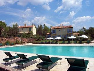 3 bedroom Speciality in Le Mitan, Provence-Alpes-Côte d'Azur, France : ref 52387