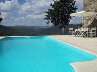 6207 Ardeche farmhouse with private heated pool, Cros-de-Georand