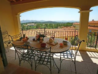 2 bedroom Speciality in Le Mitan, Provence-Alpes-Cote d'Azur, France : ref 52386