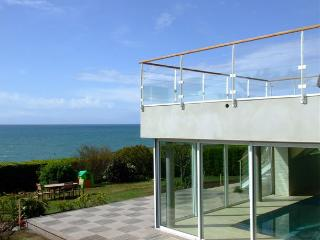 27687 Seaside Brittany villa with pool and seaview, Doelan