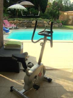Pool side bike