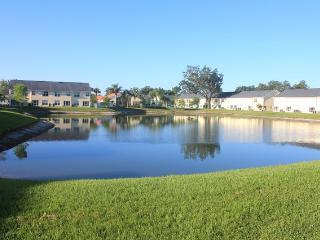 $80/nt,4BR 1900sqft townhome,lake view,Near Disney,Seaworld,Convention Center