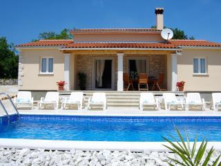 Amazing three bedroom Villa with great location, Kringa