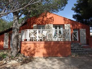 2 bedroom Villa in La Ciotat, Provence-Alpes-Cote d'Azur, France : ref 5238775
