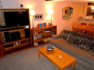 #26 Premier 2BR Townhouse. Next to Snow Summit!, Big Bear Region