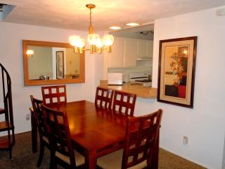 #22 Premier 2BR Townhouse. Next to Snow Summit!, Big Bear Region