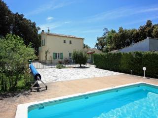 4 bedroom Villa in Carpentras, Provence, France : ref 1718558