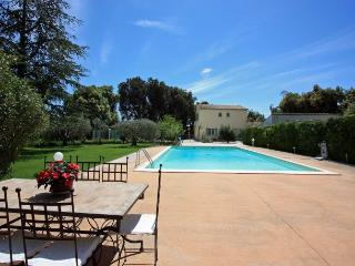 4 bedroom Villa in Carpentras, Provence-Alpes-Cote d'Azur, France : ref 5238640