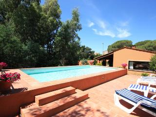 3 bedroom Villa in Frejus, Provence-Alpes-Cote d'Azur, France : ref 5238642