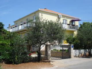 Angie A1-2bedroom-Near BEACH-Free parking