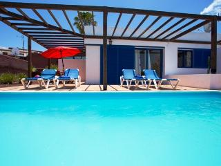 Villa Lanzarote Private Pool Heated and Free Wifi!, Playa Blanca